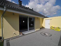 Terrassenbeschichtung mit Marmorsplitt