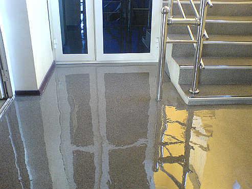 Flüssiger Granit als exklusive Bodenbeschichtung