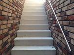 Düsseldorf: Abdichtung der Kellertreppe und mit Granitsplitt silberbraun gespachtelt